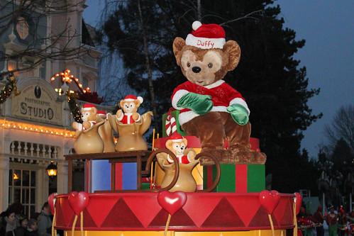 Disney's Once Upon a Dream Parade - Dreams of Christmas