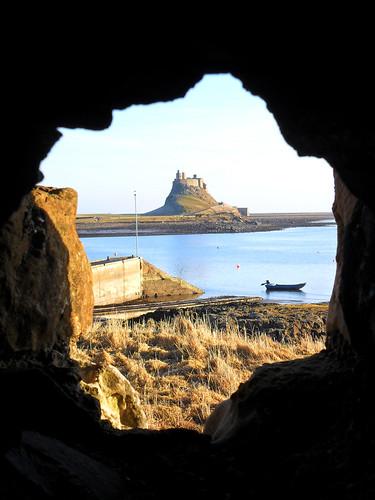6 Castle through the ruins