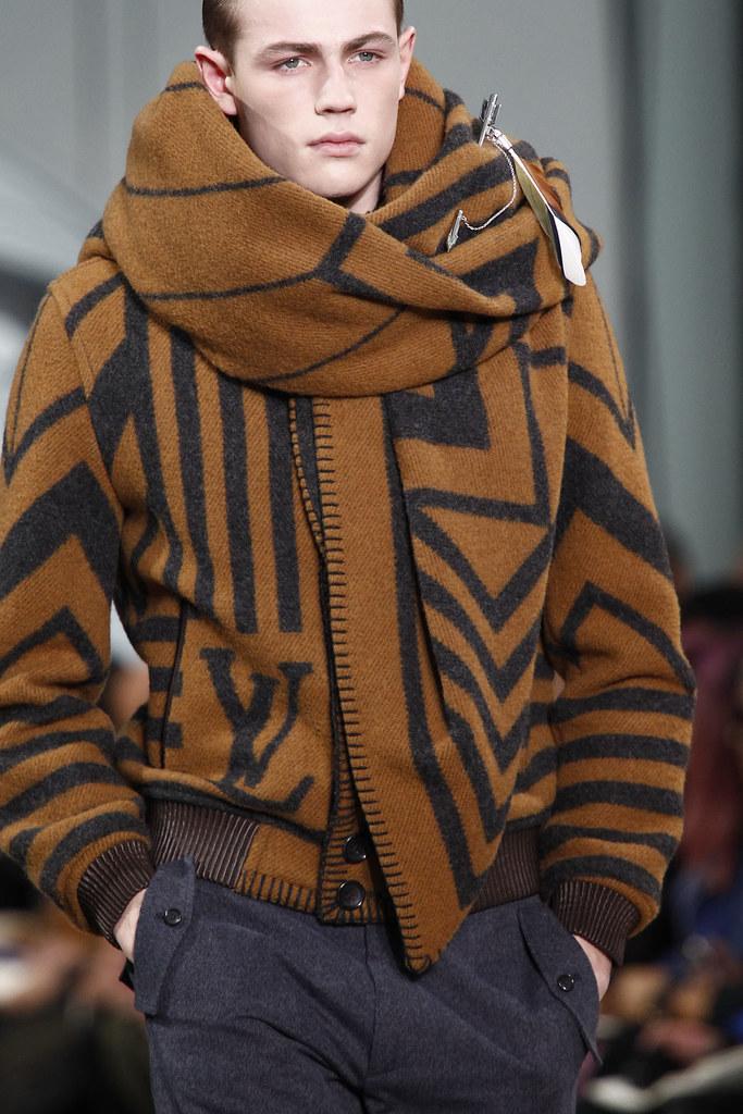FW12 Paris Louis Vuitton068_Tom Barker(VOGUE)