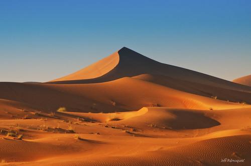 beautiful landscape photography sand nikon desert dunes uae middleeast explore abudhabi alain arid magister 2011 d90 sandpyramid orangesand nikond90 japmagister orangedune
