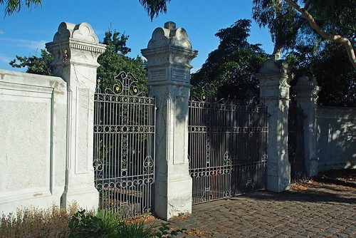 Clarke Street Gates 52/5/1 by Collingwood Historical Society