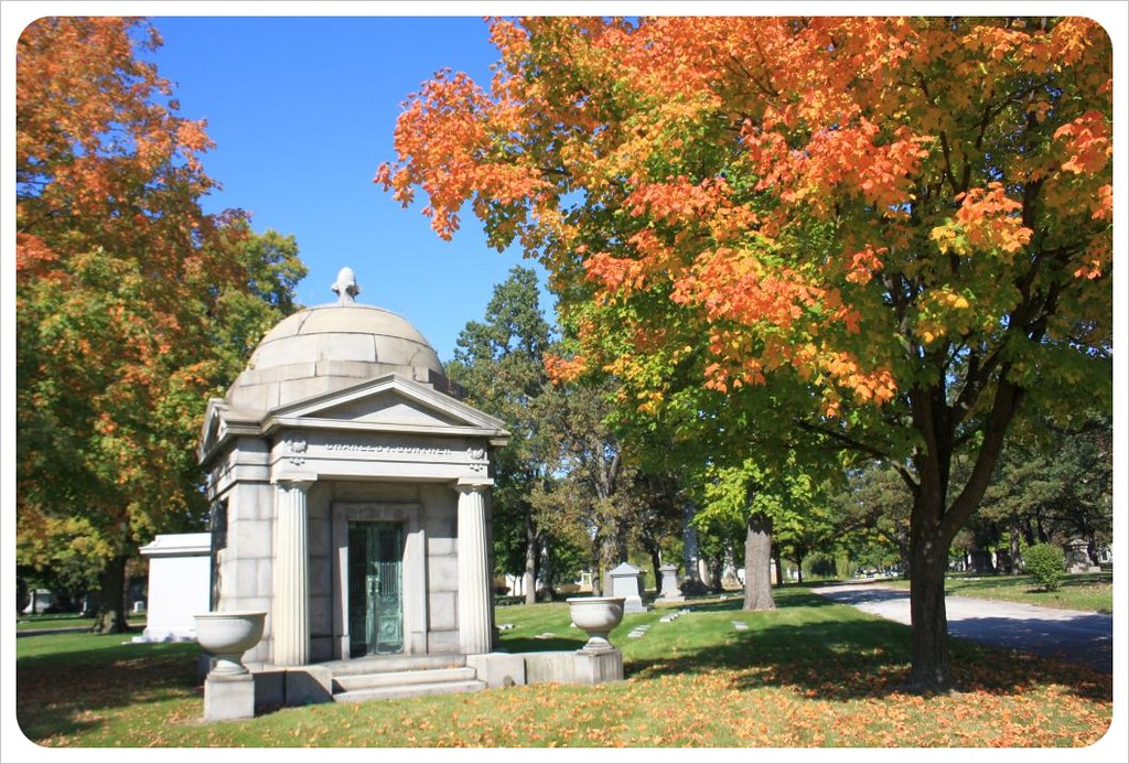 rosehill cemetery chicago