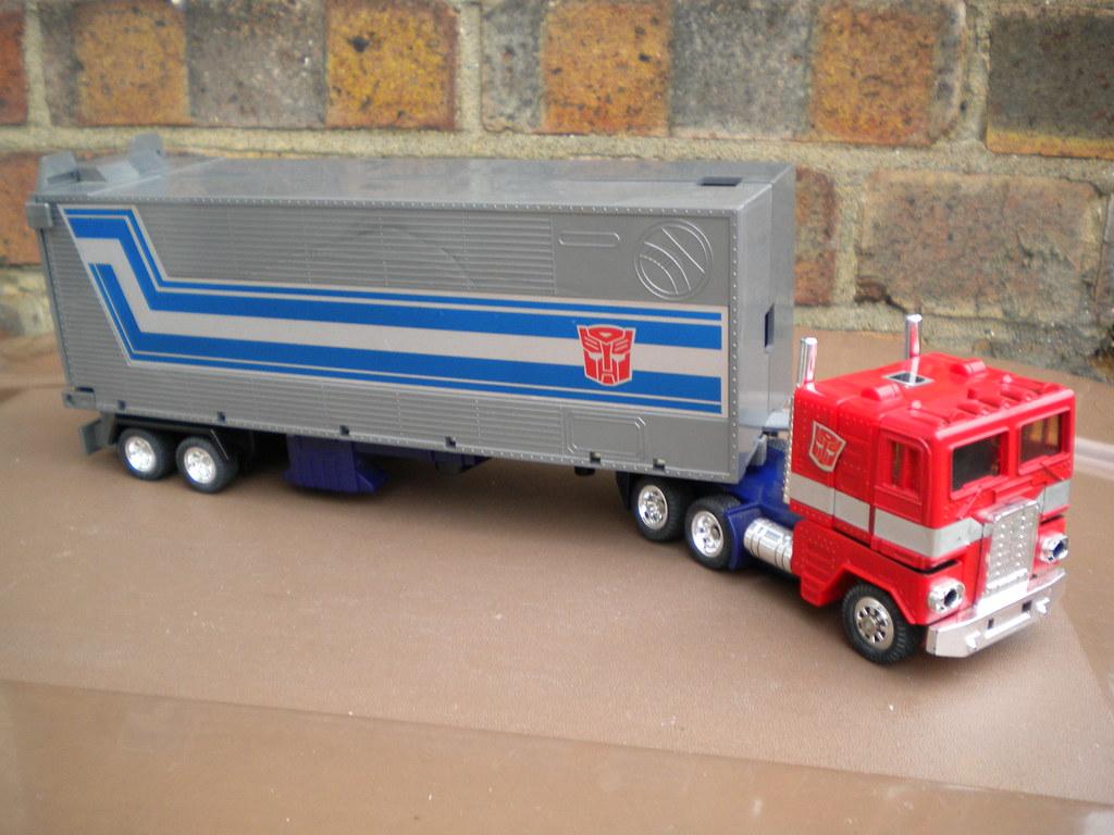 Vintage 1980's Transformers Optimus Prime