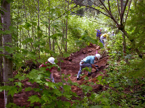 "Volunteers work on the trail in 2006. Photo courtesy <a href=""http://www.maryrohlman.com"" rel=""nofollow"">www.maryrohlman.com</a>."