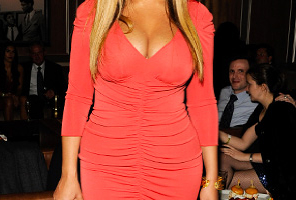 beyonce-breast-implant