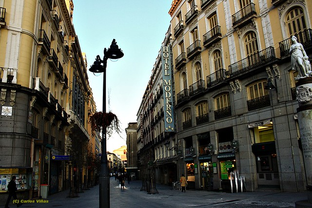 Calle arenal desde puerta del sol madrid flickr photo for Calle sol madrid
