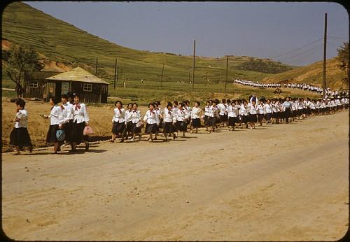 Schoolgirl army, 1952