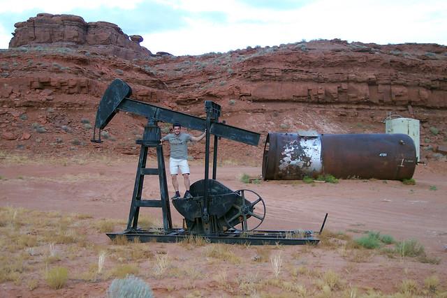 Extractor de Petróleo en Mexican Hat Valle de los Dioses en Mexican Hat, Utah - 13925516943 89fd5311a4 z - Valle de los Dioses en Mexican Hat, Utah
