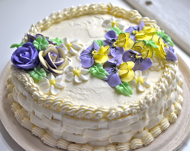 cake decorating with royal icing flowers Flickr - Photo ...