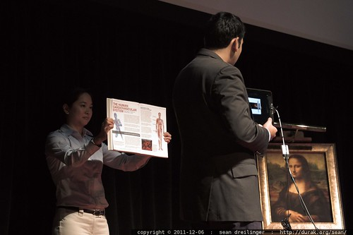 Shamil Hargovan of Hewlett Packard demonstrates visual input to a search engine at TEDxSanDiego    MG 3700