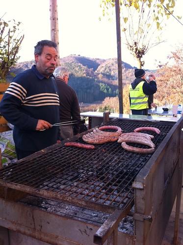Espinelves | Fira de l'Avet | Asando butifarras