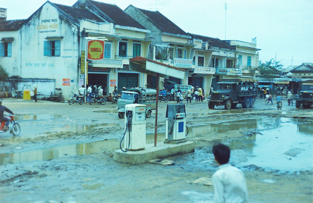 Quang Ngai 1971 - A gas station near My Lai, on Route-521