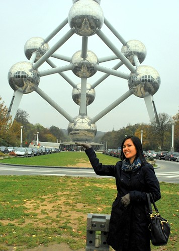 Atomium in my hands
