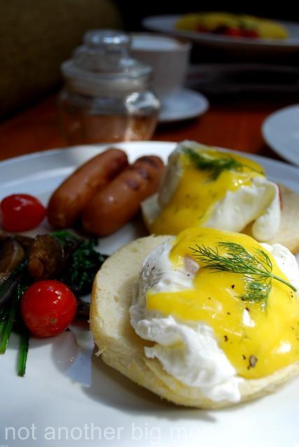 The Elysian, Bali - Eggs benedict