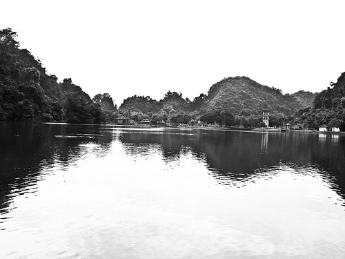 IMG_0116 Gunung Lang in black and white, 黑白崑崙浪
