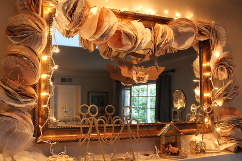 White Silver and Gold Garland