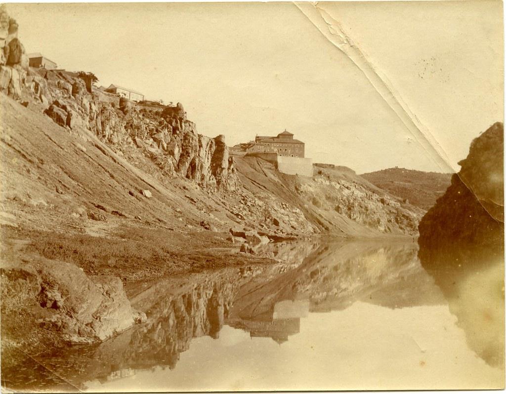 Zona de Roca Tarpeya a comienzos del siglo XX. Fotografía de Pedro Román Martínez. Centro de Estudios Juan de Mariana. Diputación de Toledo