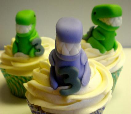 6616596205 124a9db9e3 Dinosaur Cupcake Decorating Ideas