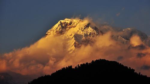 travel nepal sunset nikon tripod fx himalayas dhampus annapurnarange d700 nikonflickraward nikonflickrawardgold dblringexcellence