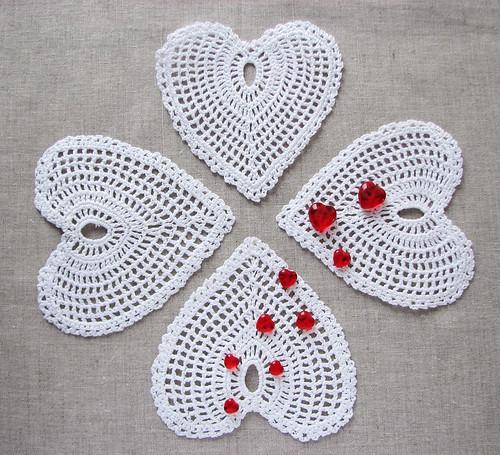 crochet valentines heart coasters