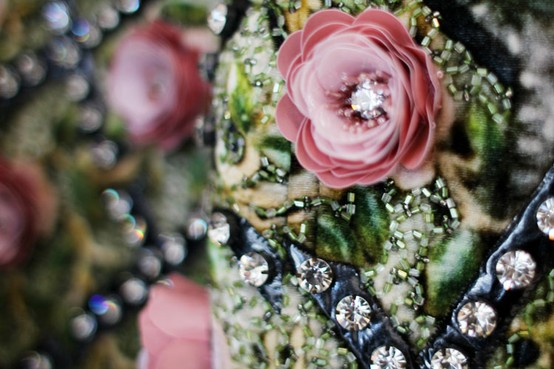 details-jewels-flowers