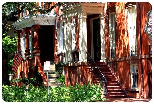 savannah red houses