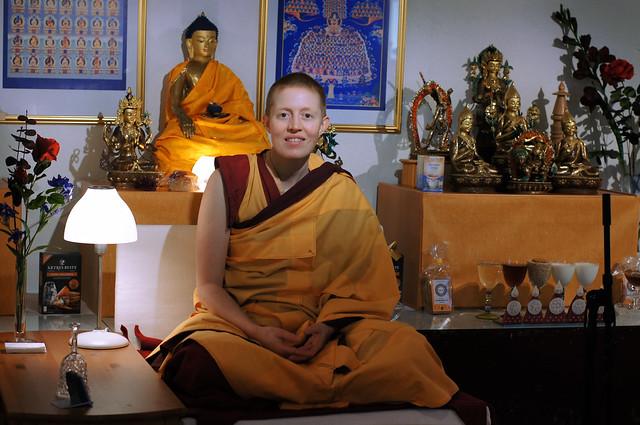 Kelsang Tubchen holder kurs i meditasjon ved Je Tsongkhapa Kadampa Buddhistsenter