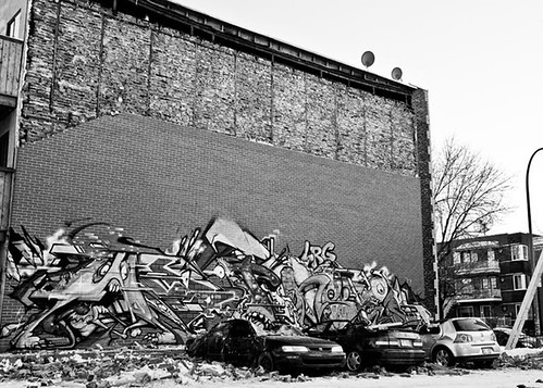 POSE and WITNESS wall crushes cars in Montreal. by Ironlak