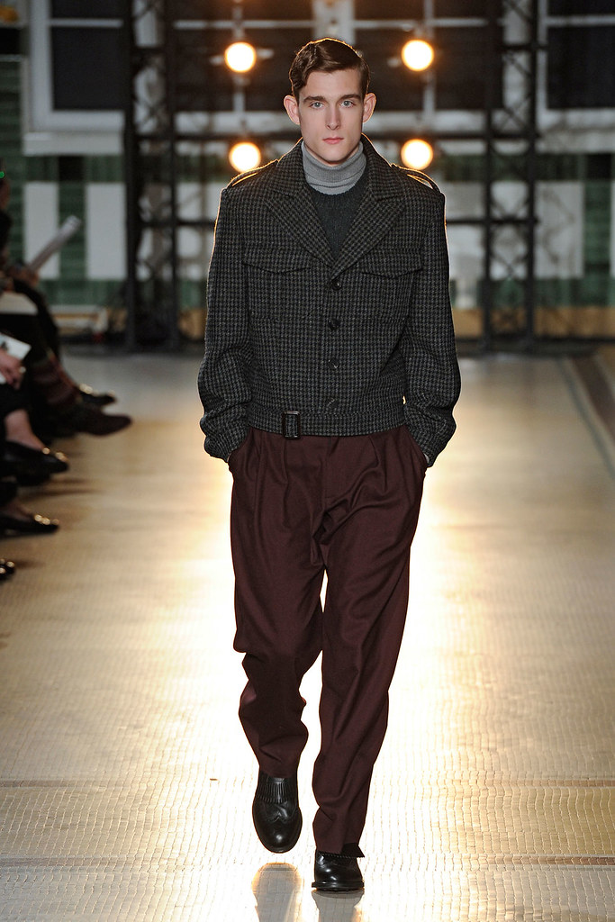 FW12 Paris Wooyoungmi001_Karl Morrall(VOGUE)