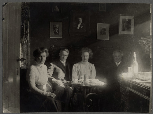 August Strindberg with his children by Kungliga biblioteket