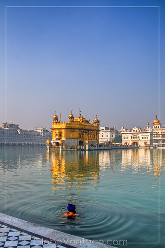 Amritsar Golden Temple Sikh bather HDR