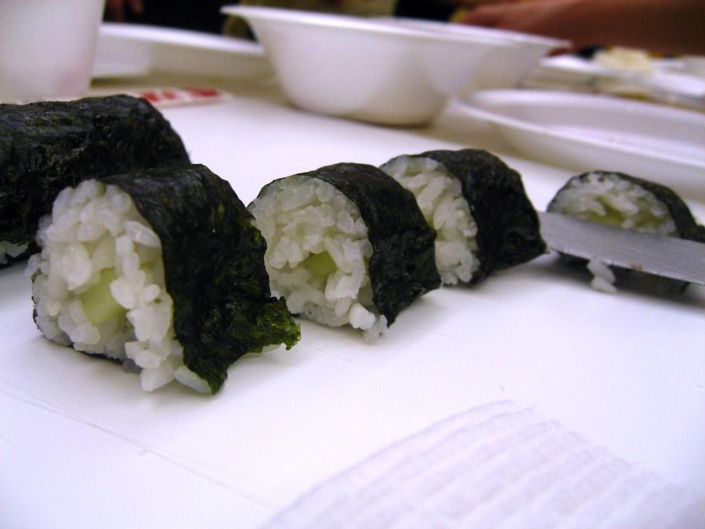 Sushi Class - cucumber roll