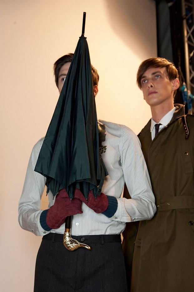 Elias Cafmeyer3047_2_FW12 Milan Burberry Prorsum(fashionising.com)