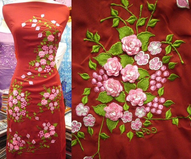 Вышивка лентами на платье