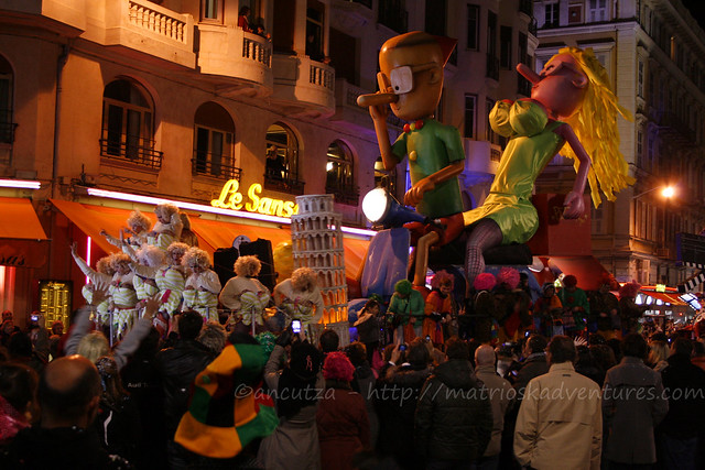 foto carri illuminati carnevale Nizza
