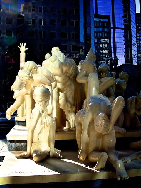 Monuments_montréalais, Foule_illuminée 13