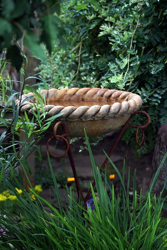 Rope Edged Bird Bath