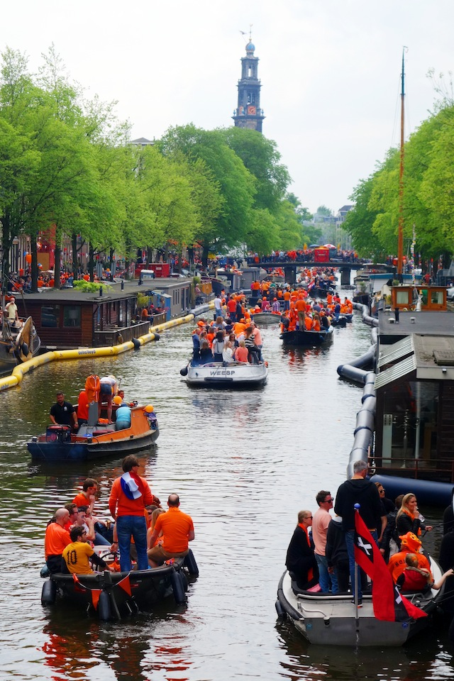 Amsterdam King's Day boats on Prinsengracht