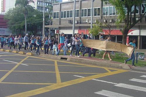 estudantes passeata