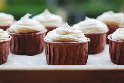 pumpkin spice cupcakes w. chai frosting.