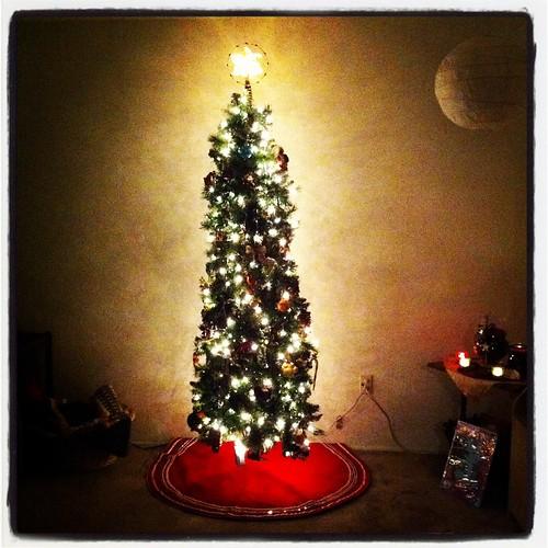 Happy Thing: A New Skinny, Nerdy Yule Tree