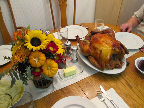 Thanksgiving flower arrangement and turkey