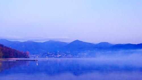 italy lake fog sunrise canon alba nebbia lombardia soe flickraward laghidibrianza blinkagain flickrstruereflection1 sx40hs bbng canonpowershotsx40hs