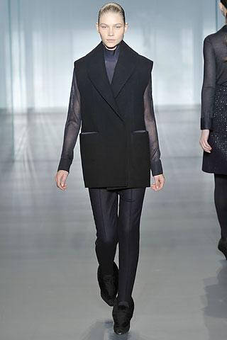 Calvin-Klein-chaqueta-sin-mangas