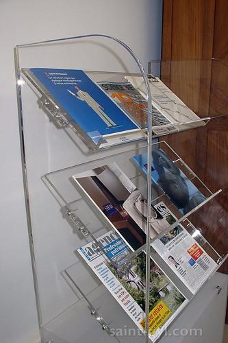 presentoir sur pied magazines 040