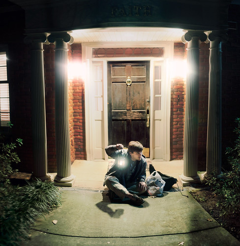 [フリー画像素材] 人物, 男性, アメリカ人, 扉・ドア ID:201112201800