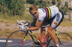 Greg Lemond in another moment of PROness