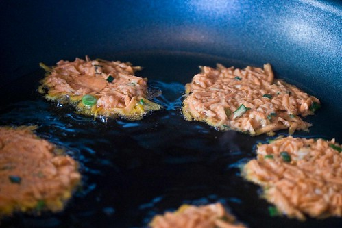 latkes, frying