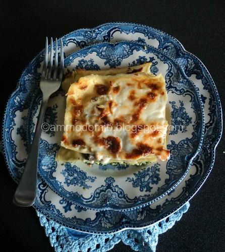 Lasagna ai funghi, spinaci, ricotta e béchamel montata