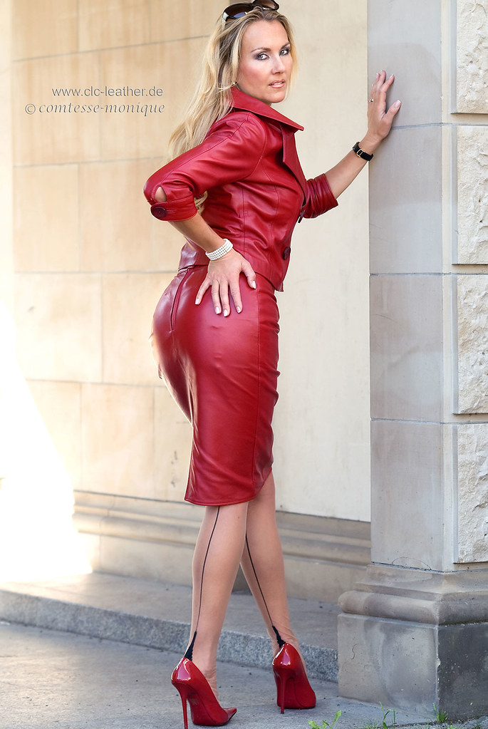 comtesse-monique_red leather skirt suit, seamed stockings, pointed heels, suspender bumps (5)